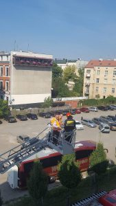 Ćwiczenia prowadzone ze Strażą Pożarną w WBP w Krakowie. Fot. A. Będkowska